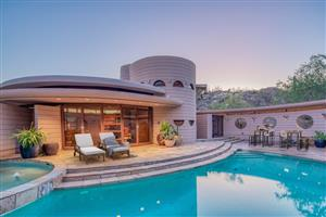 Frank Lloyd Wright's Last Home Goes up For Auctio